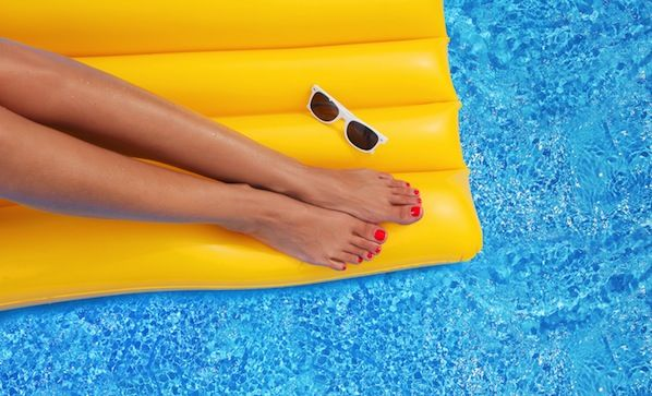 Good tips on keeping your beach pedicure perfect! #HappinlyEverAfter #DeltaVacations