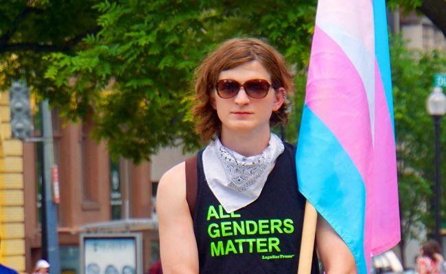 Trans-Inclusive Tinder Update Breaks the Gender Binary
