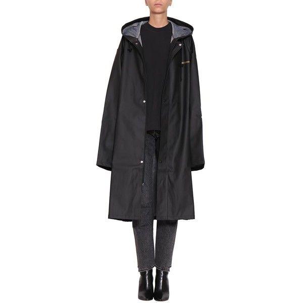 Vetements Logo rain coat ($548) ❤ liked on Polyvore featuring outerwear, coats, black, rain trench coat, rain coat, pocket raincoat, pvc trench coat and hooded trench coats