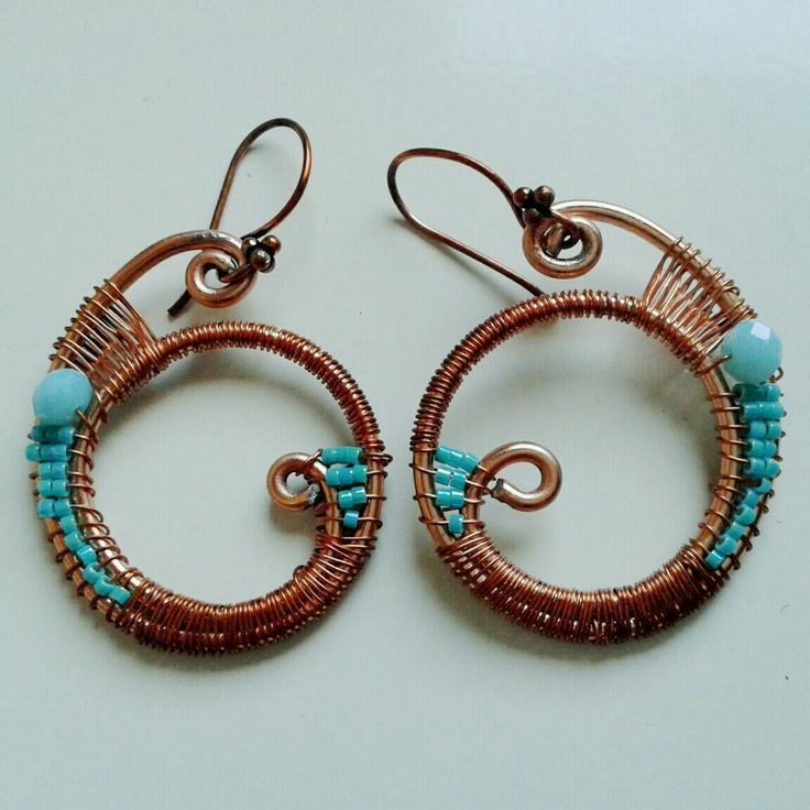 Wire wrapped and beads earrings