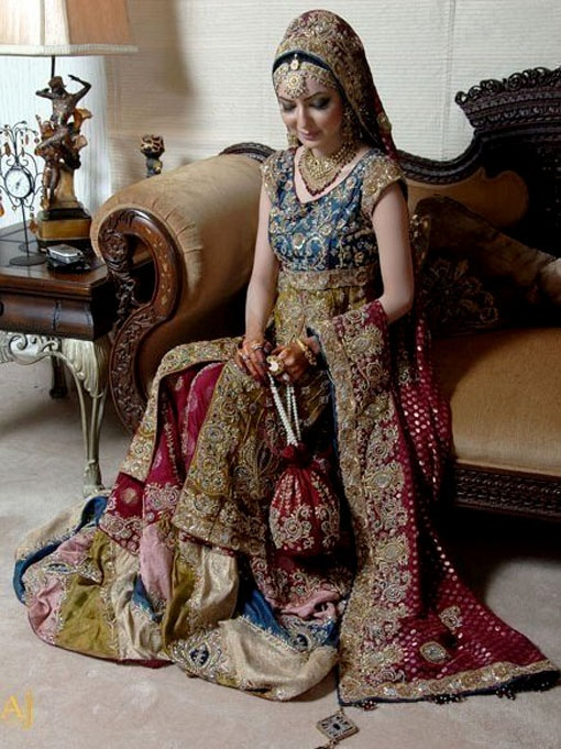 I think Indian brides are so beautiful