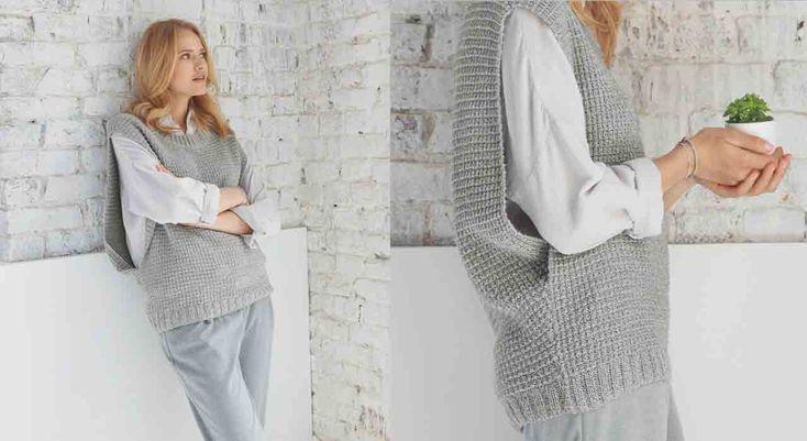 Aussi pratique et tendance qu'un poncho, ce grand pull en cachemire et soie réchauffera avec style une chemise ample. Il est tricoté en côtes 2/2 et point de claie. Tailles: a) 34/36 – ...