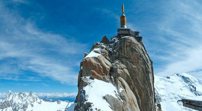 V Savojských Alpách se svezete ve světovém unikátu – lanovce s největším převýšením a odměníte se dechberoucím výhledem na Mont Blanc.
