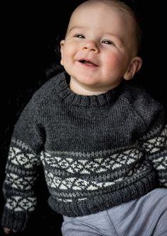 gratis strikkeopskrift babytrøje med mønster