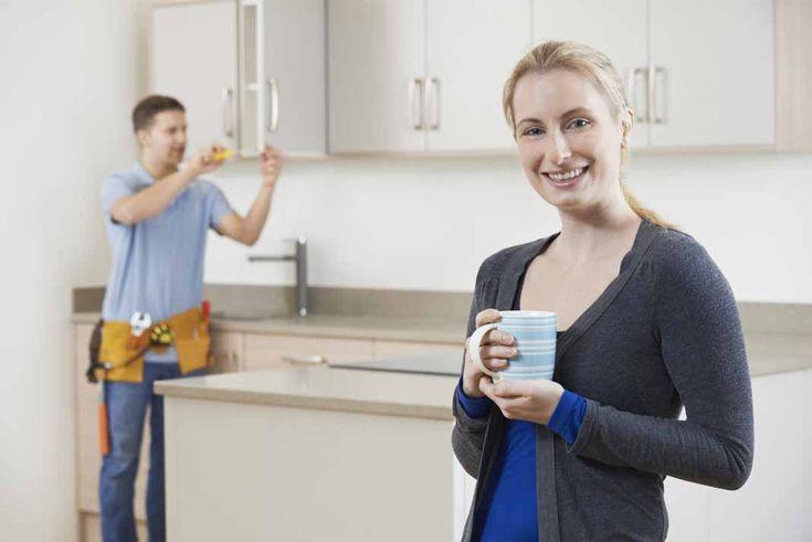 Wil je een nieuwe keuken kopen? Maar heb je maar een beperkt budget? Dan kunnen tweedehands keukens een uitkomst bieden. Dit kan namelijk heel wat geld besparen. Of wellicht wil je de huidige keuken verkopen? Er kunnen heel wat redenen zijn om een nieuwe keuken aan te schaffen. We geven tips en...