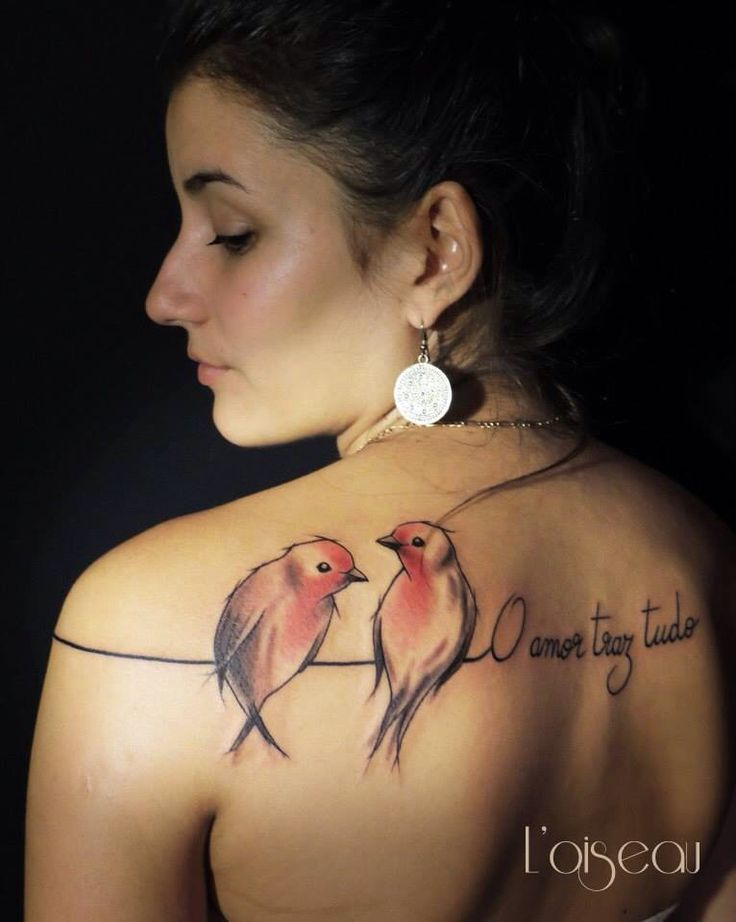 Tattoo bird on a line - belly button tattoo France tatouage