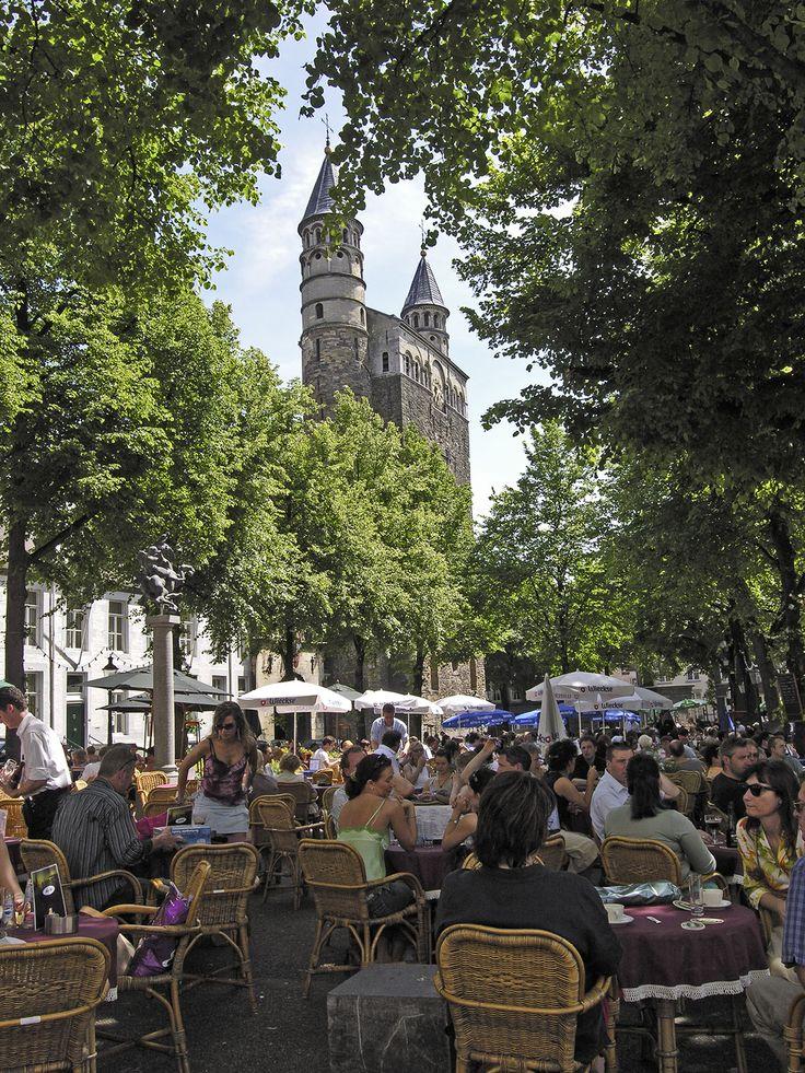 Onze Lieve Vrouweplein, Maastricht.