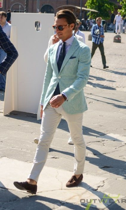 takablotaro: Street style Pitti Uomo 86 – Powered by Outwear – ziua 2 - Stil Masculin .ro Très sympa cette veste! Parfaite tenue estivale!