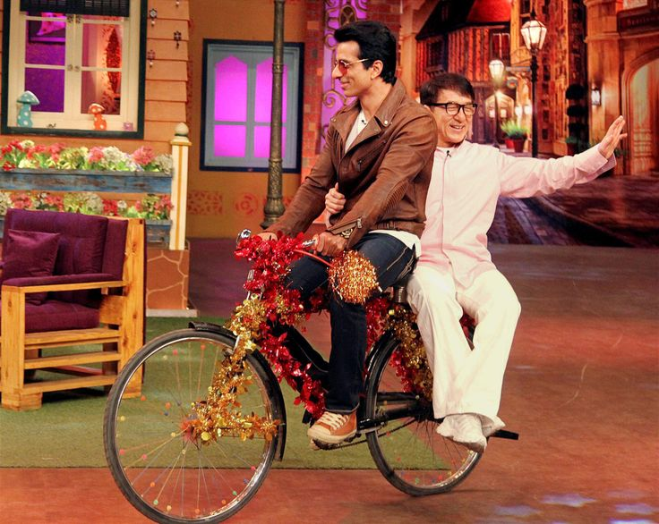 """Jackie Chan: Scared of Doing Action, Not a Superhero Jackie Chan and Sonu Sood promote their film """"Kung Fu Yoga"""" on """"The Kapil Sharma Show"""" in Mumbai, Jan. 23. (Press Trust of India)    Known across the globe for his action films, superstar Jackie Chan says that he does gets scared to perform stunts on the screen and insists that he http://siliconeer.com/current/jackie-chan-scared-of-doing-action-not-a-superhero/"""