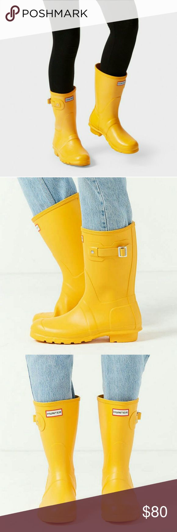 Hunter rain boots original short In good condition  Wore only like 3-4times  Very cute color and comfy!  Size 7mens / 8 women's  Checkout My listings for more awesome stuff!!! Hunter Boots Shoes Winter & Rain Boots
