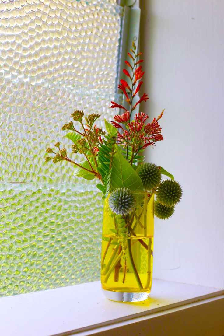 #flowers #yellowglass as #vase @freedomnz #styling by #placesandgraces