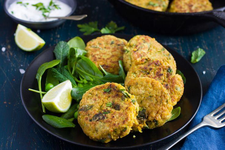 Ricetta polpette di ceci al forno - La ricetta per preparare tante deliziose polpette di ceci e tanti gustosi burger: l'ideale per un pasto nutriente e sano.