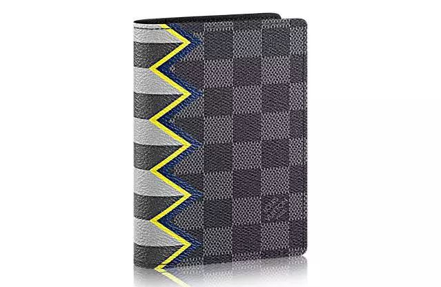 12 Christmas Gift Ideas for Men // Louis Vuitton Passport Case