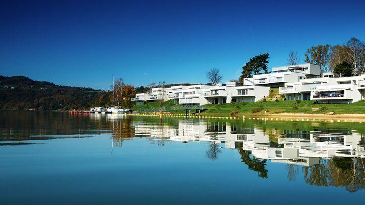 Apartament Słoneczny*19 Ekskluzywny, całoroczny Apartament Słoneczny*19 mieści się w samym sercu nowoczesnego Lemon Resort SPA w Gródku nad Dunajcem, przy samym Jeziorze Rożnowskim. Do Państwa dyspozycji przygotowaliśmy luksusowo wykończony apartament o powierzchni 60m2.   #Dwie Doliny #Jeziorem Ro #Jeziorze Ro #Miejscowo Gr