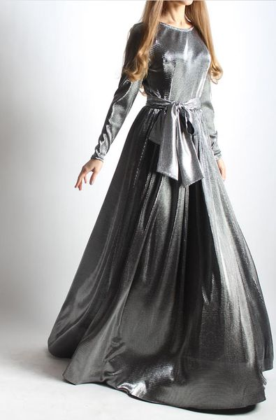 Luxurious silver maxi dress with a belt made from a thin, weightless, very pleasant and comfortable fabric. Wear this floor-grazing piece with heels.