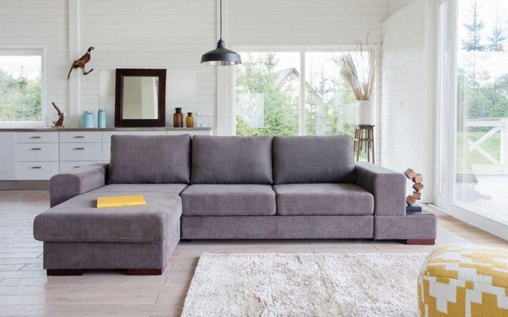 Hoy hablamos sobre sofás y más complementos que quedarán perfectos para un salón en la decoración de un salón en tonos neutros.