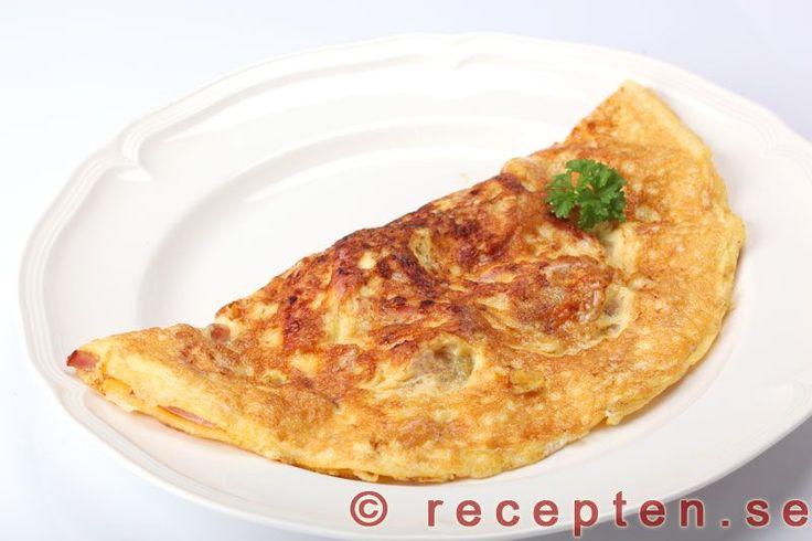 Omelett - Recept på omelett med olika fyllningar. Enkelt, snabbt och gott. Mättande med få kolhydrater. Bilder steg för steg.