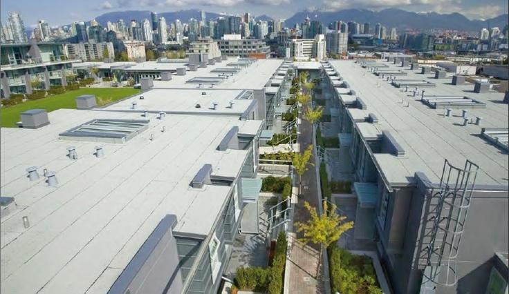 Complexe immobilier The Rise, Vancouver, Canada, mixité verticale des activités, toiture végétale