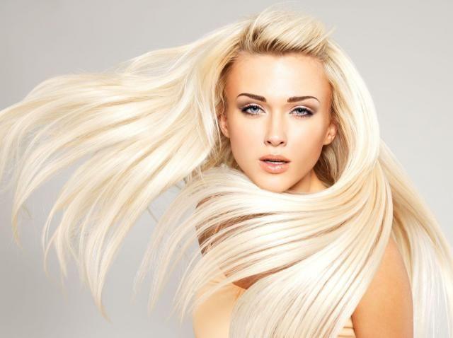 Rozdwajające się końcówki włosów - proste triki, dzięki którym pozbędziesz się problemu #WŁOSY #PORADY