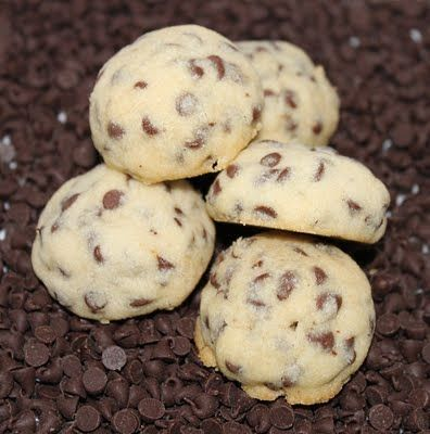 Happy Jacks Cookies Ingredients: 1 1/2 cups of semi sweet chocolate chips (they used mini, instead of regular)  2 cups flour    1 tsp vanilla extract  1/2 cup powdered sugar  1 cup softened butter