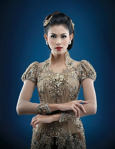 Riny Suwardy Fashion Designer