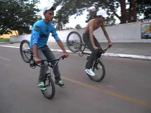Manobras de bike  [ Nova equipe Elite triloko ] 'iniciantes'.