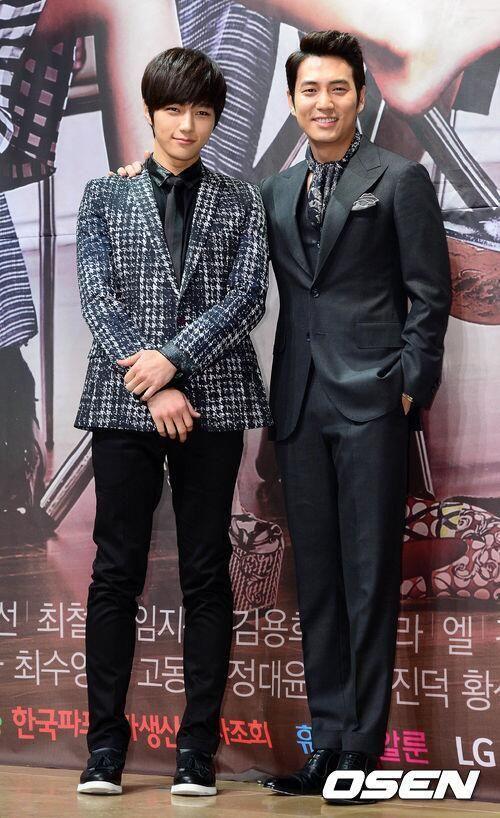 [PIC NEWS] MBC Cunning Single Lady Press Conference - Myungsoo with Joo Sang-wook #2 pic.twitter.com/zxRjkuQqpU