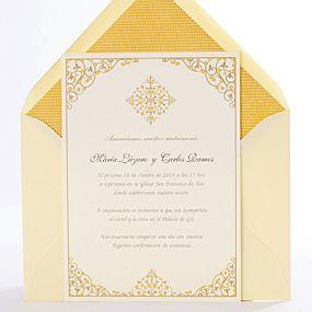 Invitación de boda con delicados diseños arabescos en tonos mostaza. Invitación de boda exótica y elegante. Milano (Mostaza)