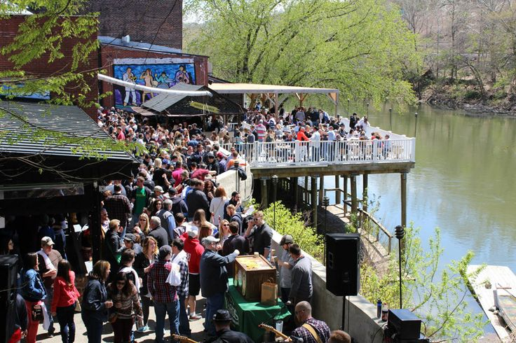 As home to the world's original and biggest craft beer week (Philly Beer Week), Philadelphia sets a high bar for hop-filled happenings. In the city and surrounding suburbs, beerific events take place all year long that draw hundreds, if not thousands, of beer lovers.