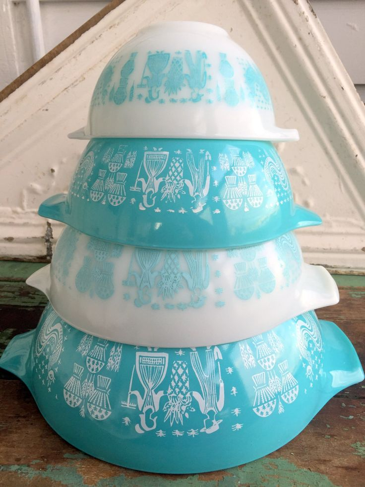 Vintage Pyrex Amish Butterprint Turquoise Set of 4 Cinderella Mixing Bowls Beautiful by Holliezhobbiez on Etsy
