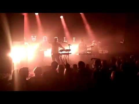 Jungle - Busy Earnin' Live Basen Warsaw 22.03.2015 - YouTube