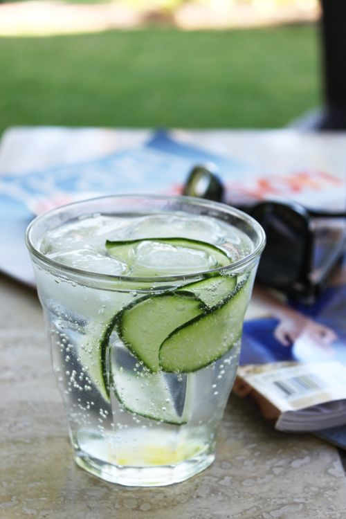food on paper: Cucumber and Elderflower Gin Cocktail