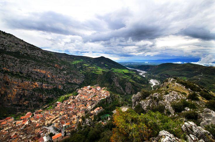 Abruzzo, Calabria e Campania: viaggio attraverso borghi abbandonati e tentativi di rinascita