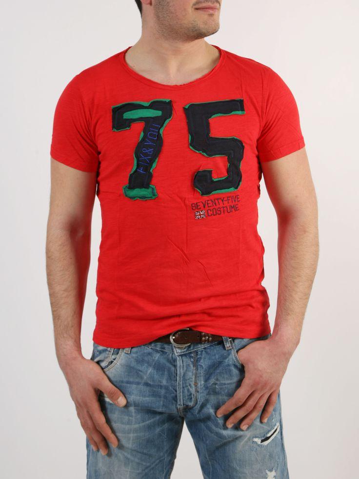 RAZE: T-shirt