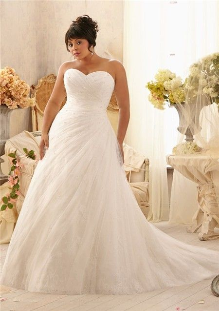 Romantic a line sweetheart lace tulle beaded plus size bridal gown with pearls