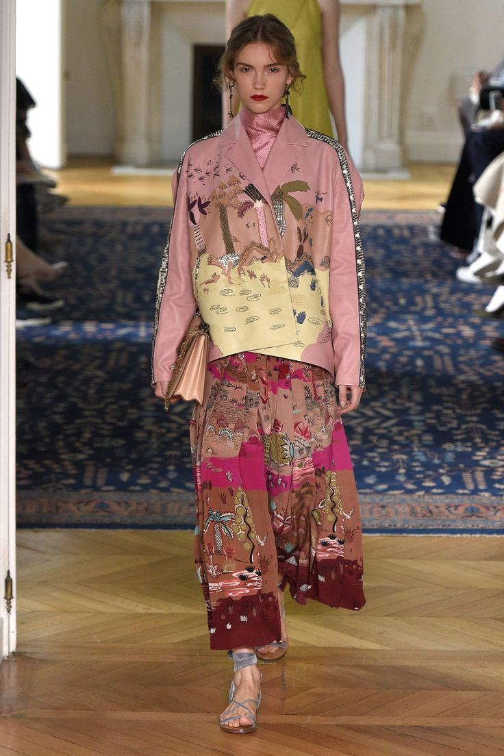 Valentino | Ready-to-Wear Spring 2017 | Look 49