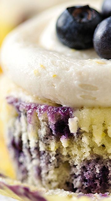 Lemon Blueberry Cupcakes - Cupcake Daily Blog - Best Cupcake Recipes .. one happy bite at a time! Chocolate cupcake recipes, cupcakes