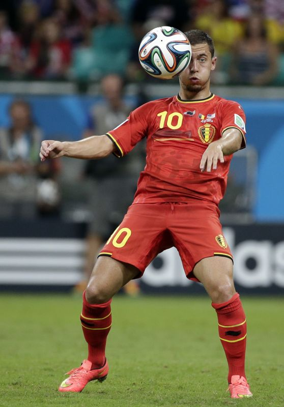 Belgium's Eden Hazard controls the ball during the World Cup round of 16 soccer match between Belgium and the USA at the Arena Fonte Nova in...