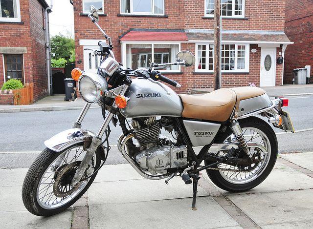 suzuki tu250x   Suzuki TU250X Motorcycle, Motorbike, 2000 Model in Silver (left side ...
