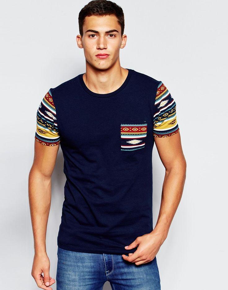 Imagen 1 de Camiseta superajustada elástica con bolsillo y mangas de diseño azteca de ASOS