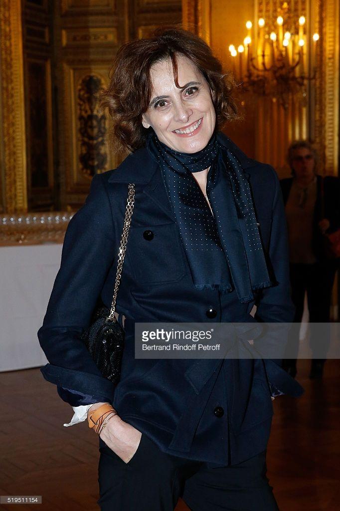 Ines de la Fressange attends writer Marc Lambron receives 'L'Epee d'Academicien' of 'Academie Francaise' on April 6, 2016 in Paris, France.
