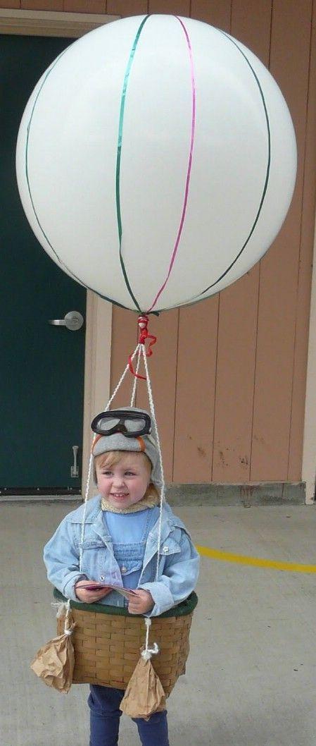 Original comme costume! Une belle petite montgolfière! check www.mamaweetjes.nl voor meer carnaval outfits voor kinderen!