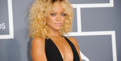 Gone Bad: Rihanna Flashes Ni pples Through See-Thro ugh Bra While Shopping - LOOK