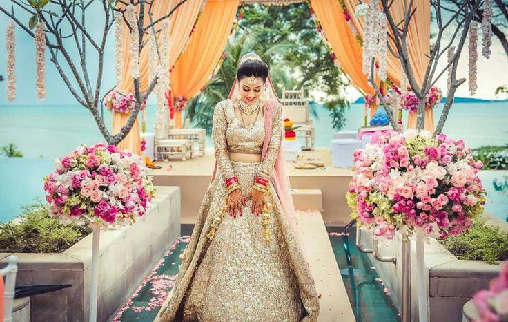Beautiful bride in astonishing bridal lehenga  ❤ #weddingsutracontest
