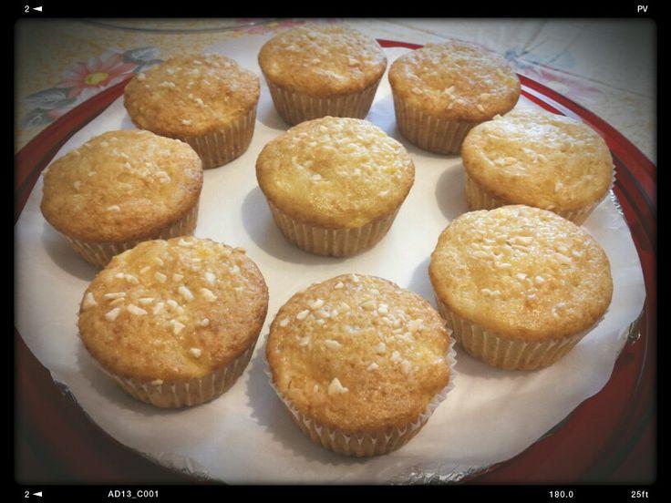 Muffins allo yogurt vaniglia e granella di mandorle