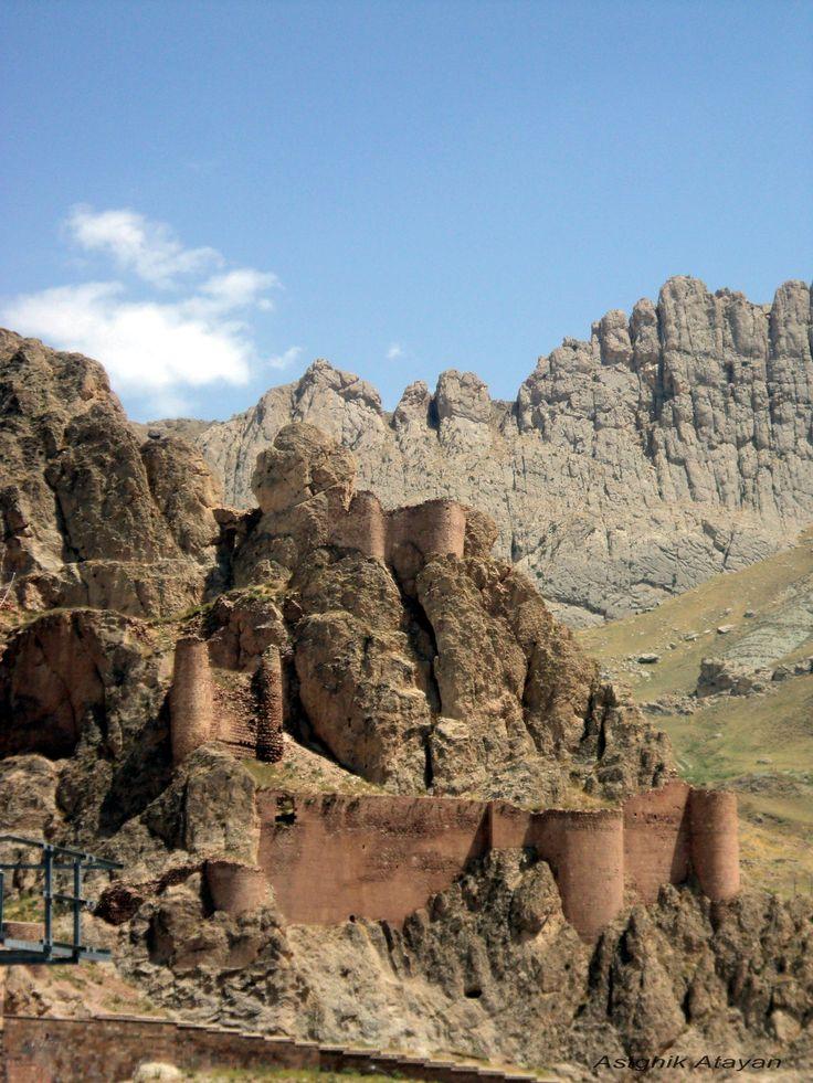 Daroyinq Castle - Van, Western Armenia