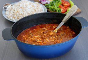 Zeinas Kitchen - Fasolia, en orientalisk gryta med vita bönor och kött.