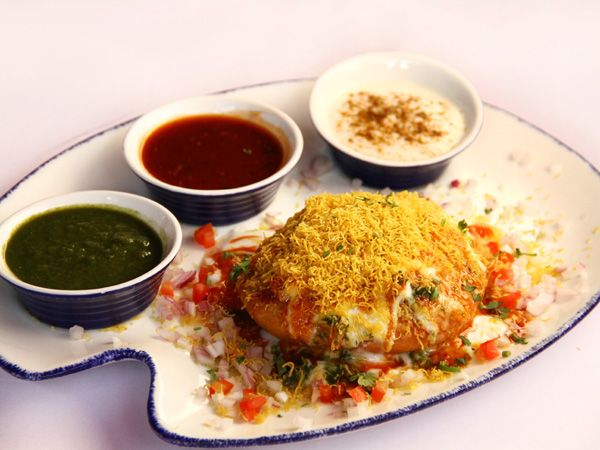 Who needs a reason to relish yummy food? Surely we don't! This Holi, feast your heart out on some of the most common yet lip-smacking chaat dishes with our simple Holi recipes. For all those of you who like thandai, we have a recipe for you too!Recipe courtesy: Bombay Blue, MumbaiDon't Miss: Holi Cocktail Recipes
