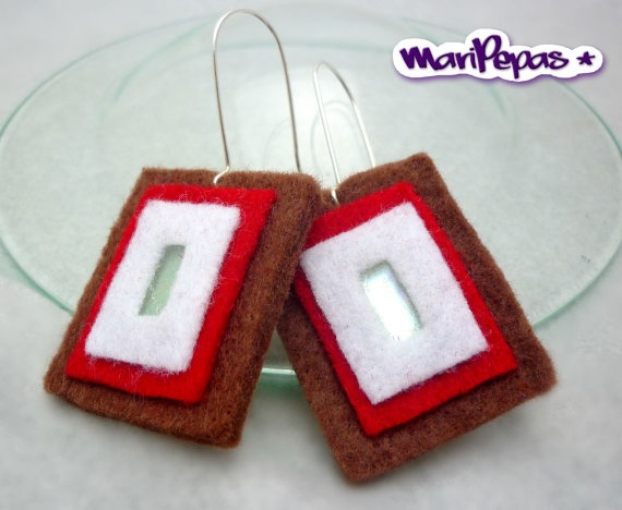 Felt and recycled cds earings Ecofriendly jewelry by MariPepas, $11.00