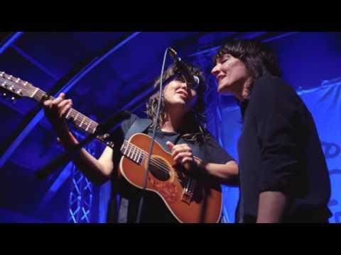 Jen Cloher and Courtney Barnett - Shady Grove - YouTube